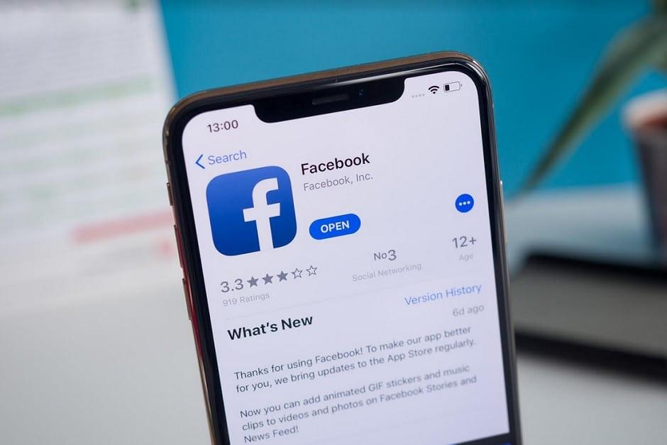 Facebook testing Dark mode for its mobile apps