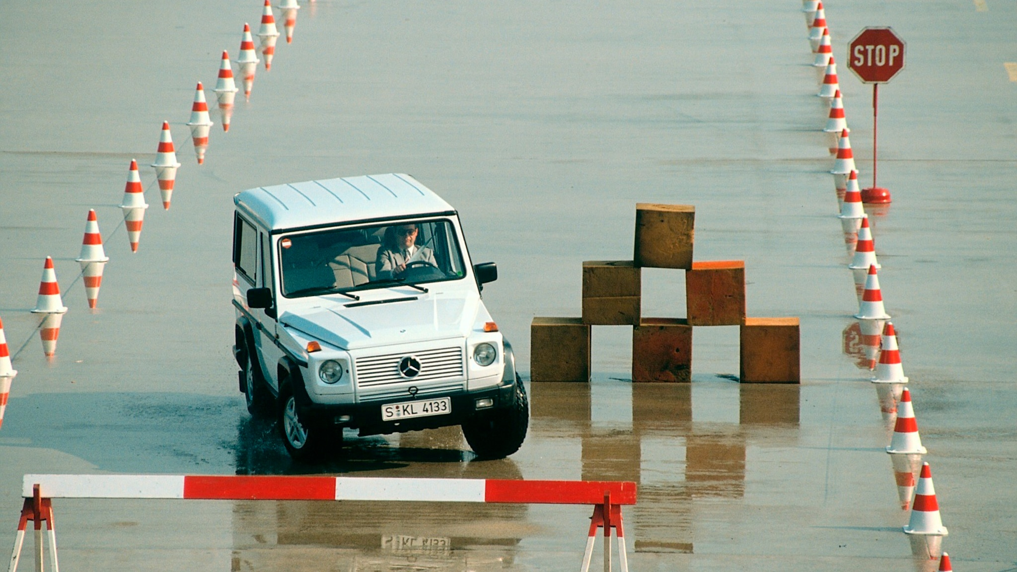 Handling test of the 463 series Mercedes G