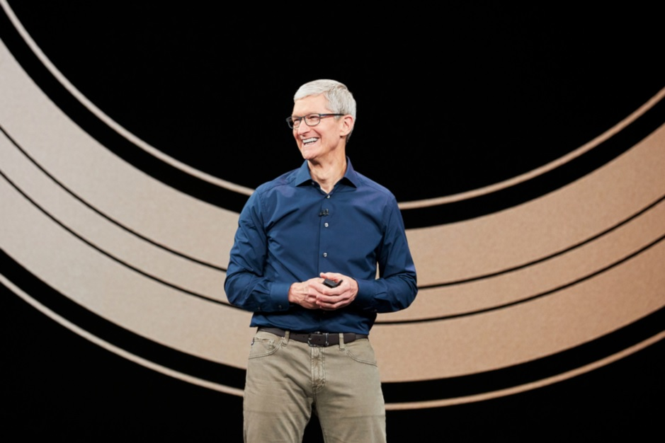 Apple CEO Tim Cook will become a free agent at the end of next year